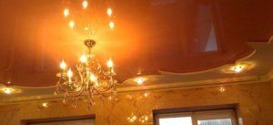 Натяжной потолок – украшение зала