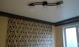 Что же в первую очередь нужно делать – натяжной потолок или обои?