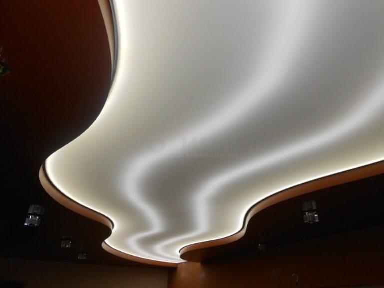 Красиво и оригинально – натяжные полупрозрачные потолки